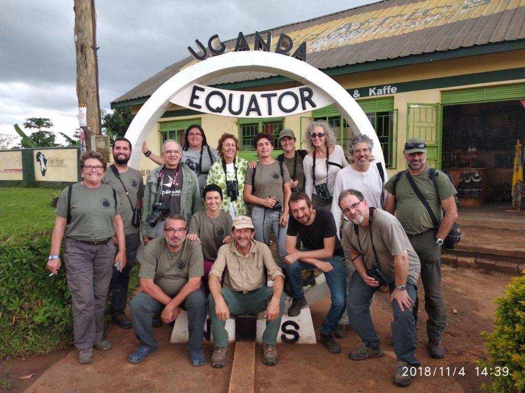 Foto de grupo de un viaje ornitológico organizado a Uganda