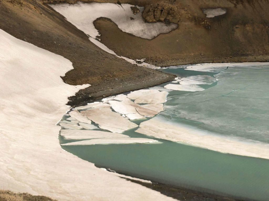 Imagen que contiene exterior, naturaleza, agua, hombre  Descripción generada automáticamente